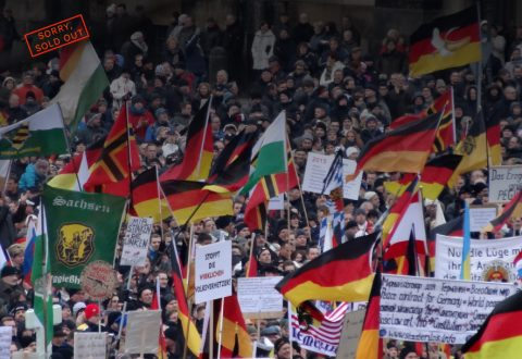PEGIDA_Demo_DRESDEN_25_Jan_2015_116139839-885x611